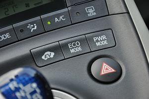 2011 Toyota Prius III 1.8 HSD