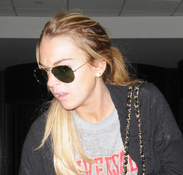 ??NATIONAL PHOTO GROUP Lindsay Lohan and Samantha Ronson arrive into LAX Airport. Job: 080308J1 Non-Exclusive August 3rd, 2008 Los Angeles, CA nationalphotogroup.com