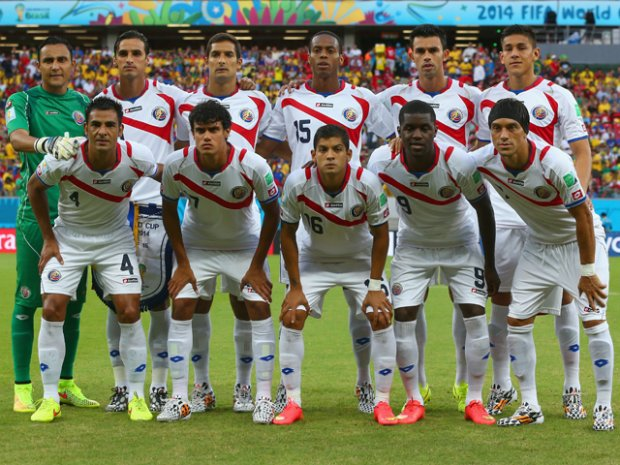 RECIFE, BRAZIL - JUNE 29: Costa Rica pose for a team photo prior to the 2014 FIFA World Cup Brazil Round of 16 match between Costa Rica and Greece at Arena Pernambuco on June 29, 2014 in Recife, Brazil.  (Photo by Jeff Gross/Getty Images)