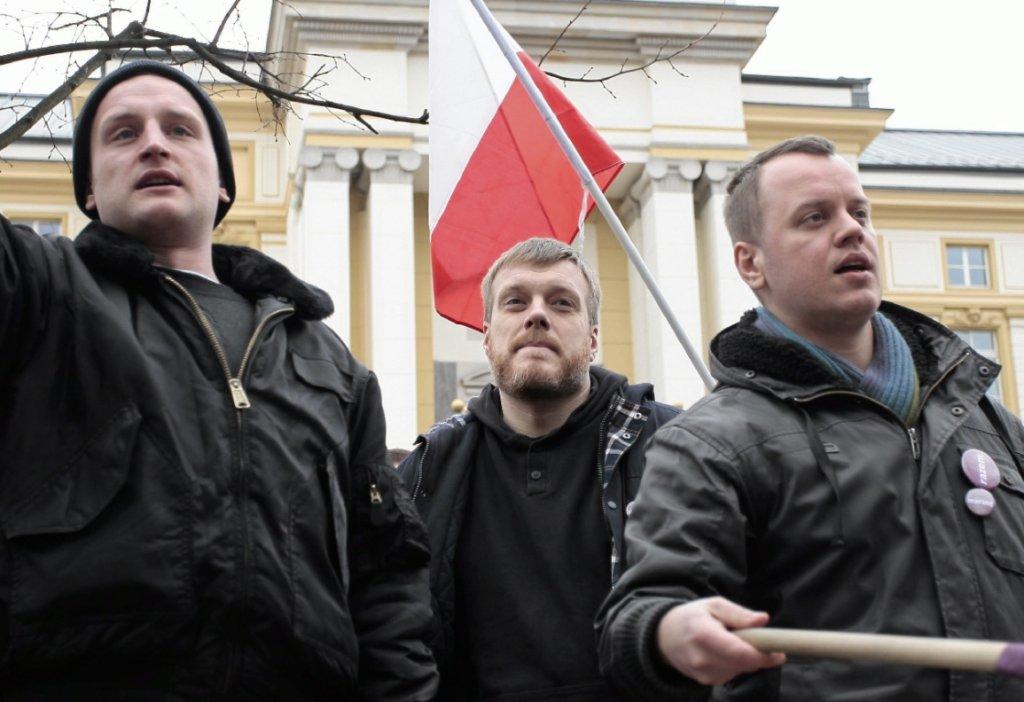 Protest partii Razem pod KPRM (fot. Dawid Żuchowicz/AG)