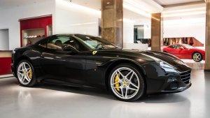 Ferrari w Warszawie   Dwa salony w Polsce