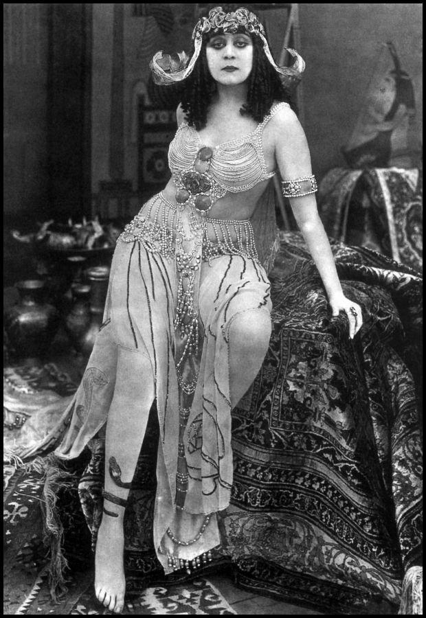 Secesyjna księżniczka mroku, Theda Bara