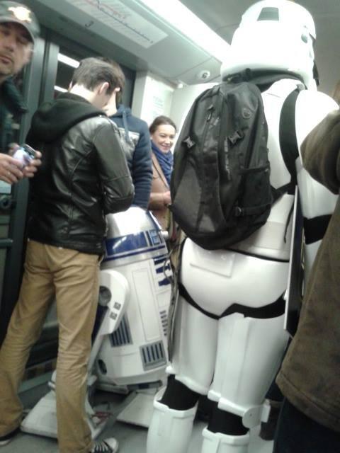 Fani Gwiezdnych Wojen w metrze