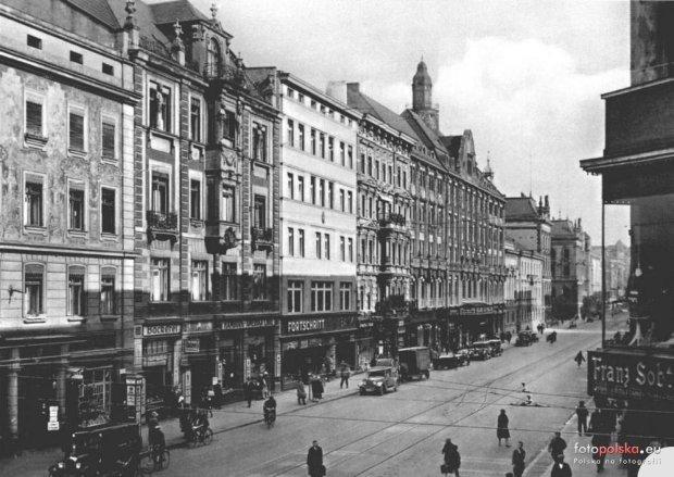 https://bi.gazeta.pl/im/68/89/10/z17338728Q,Ulica-Pilsudskiego--Gar-tenstrasse---widok-ze-skrz.jpg