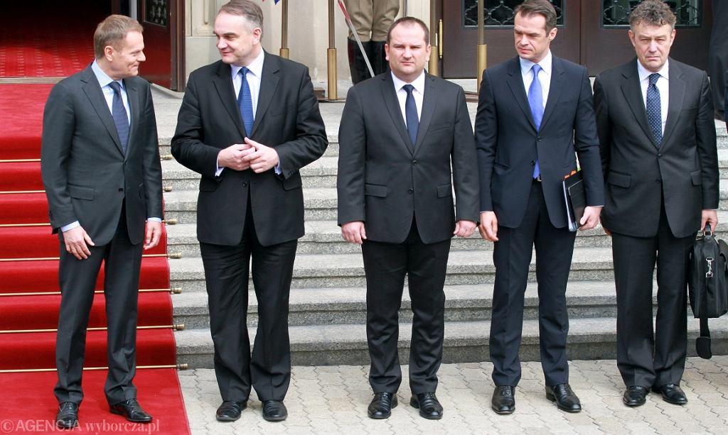 Rok 2012, pierwszy z prawej Ryszard Schnepf, wówczas w MSZ (fot. Sławomir Kamiński/AG)