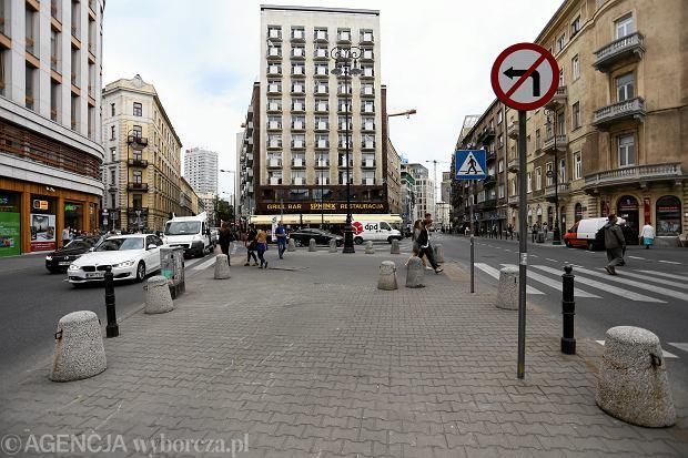 $Plac przy ulicy Brackiej w Warszawie
