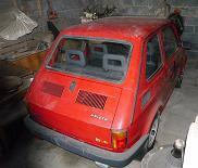 Fiat 126p wystawiony na aukcję