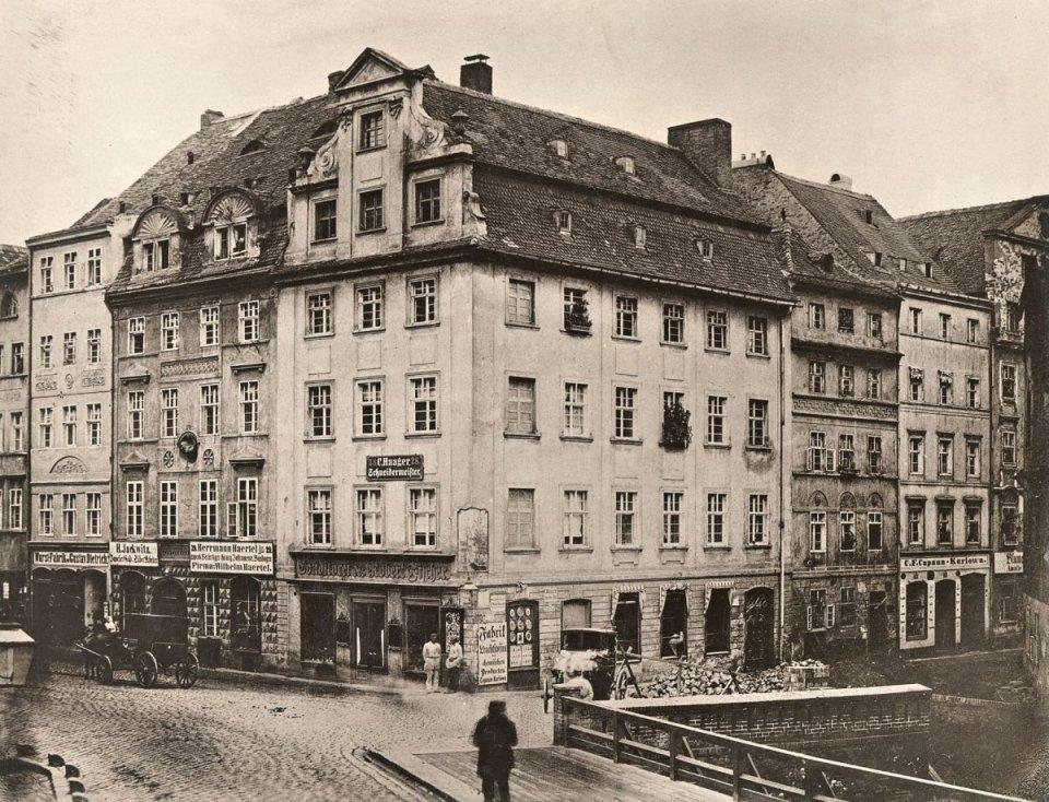 https://bi.gazeta.pl/im/7f/2b/10/z16955263V,Zbieg-Ohlauer-Strasse-i-Weiden-Strasse--obecnie-ul.jpg