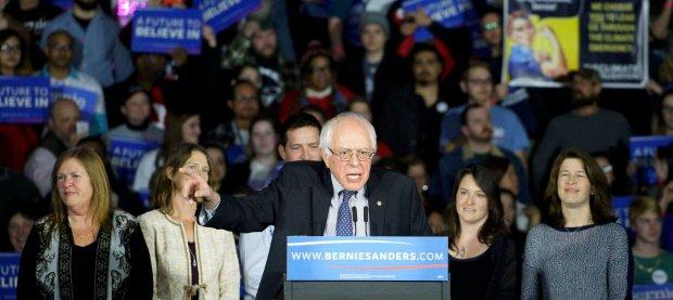 Bernie Sanders na wiecu wyborczym