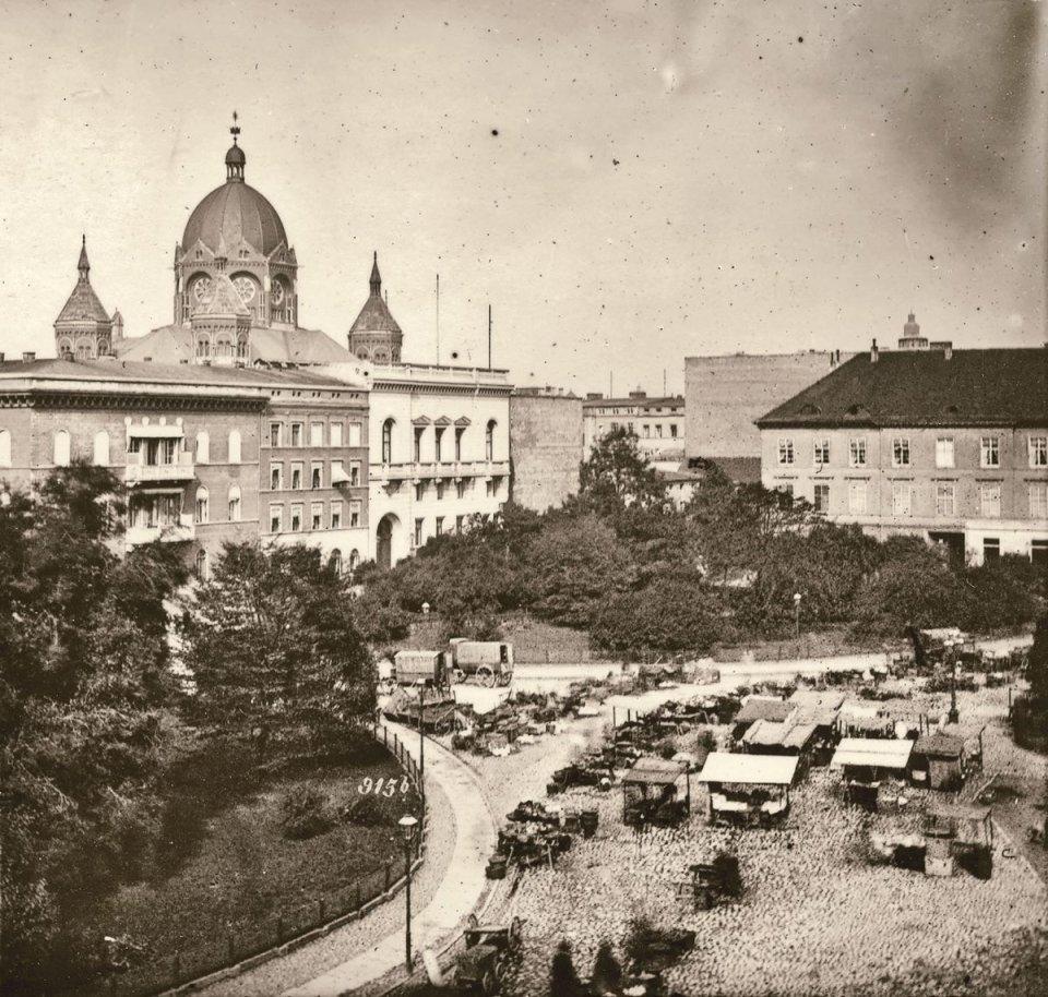 https://bi.gazeta.pl/im/81/2b/10/z16955265V,Szerokie-ujecie-Tauentzienplatz--dzis-pl--Kosciusz.jpg