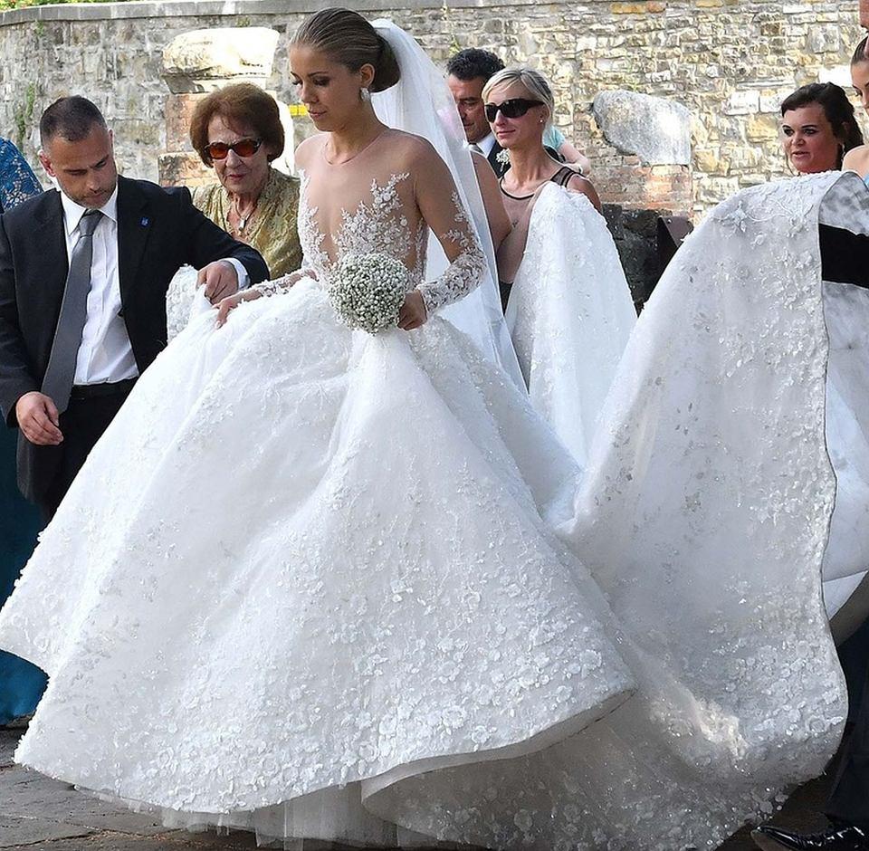 W superbly Dziedziczka fortuny Swarovskiego wzięła BAJECZNY ślub. 500 tys MN03