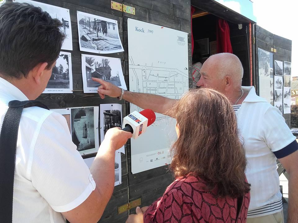 Kock - rozmowy z mieszkańcami (fot. Monika Tarajko)