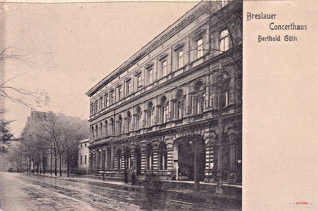 https://bi.gazeta.pl/im/87/2a/14/z21144199Q,Wroclawski-Dom-Koncertowy.jpg