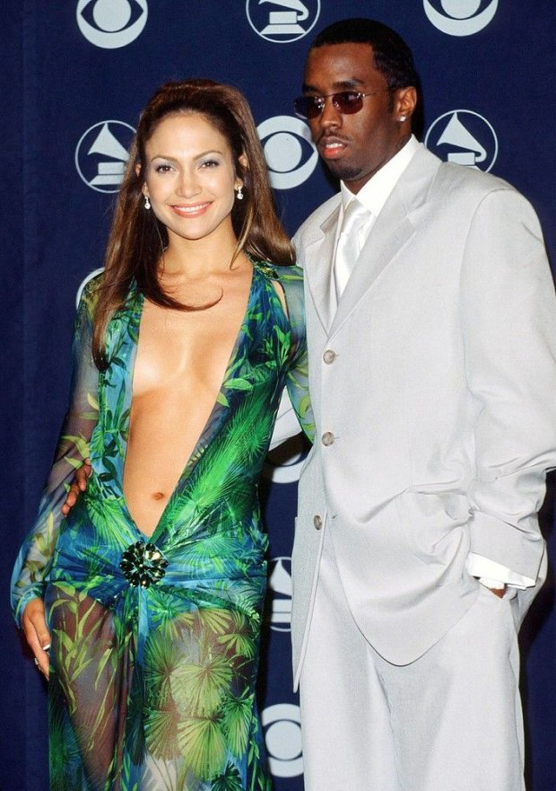 PHOTO: EAST NEWS ROZDANIE NAGROD GRAMMY - JENNIFER LOPEZ I PUFF DADDY 23 Feb 2000; Los Angeles, California, USA; JENNIFER LOPEZ & PUFF DADDY @ the 42nd Annual Grammy Awards. COR / 0481 /