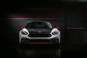 Salon Genewa 2016 | Abarth 124 Spider | Skorpion bez dachu