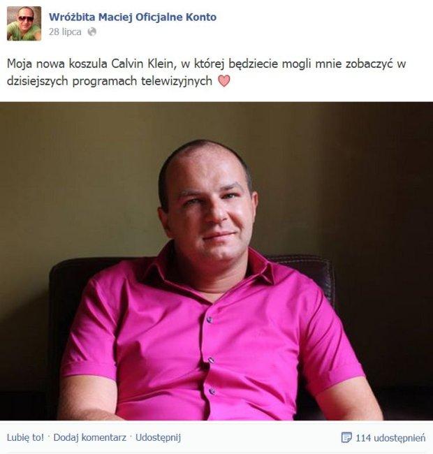 Wróżbita Maciej dumny ze swojej nowej koszuli Calvin Kelin