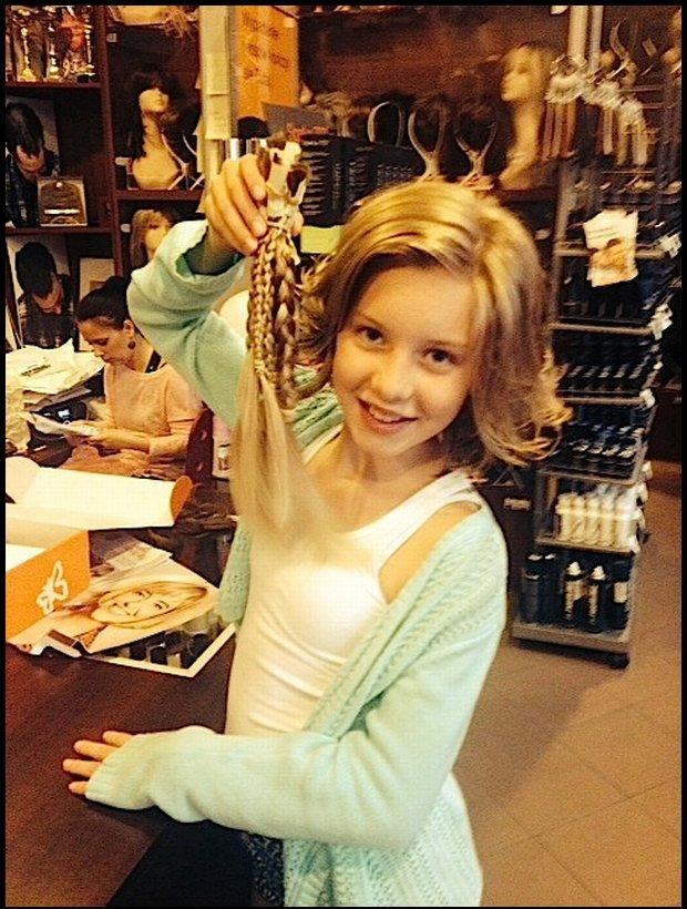 Liliana oddaje włosy dla fundacji / fot. WeGirls