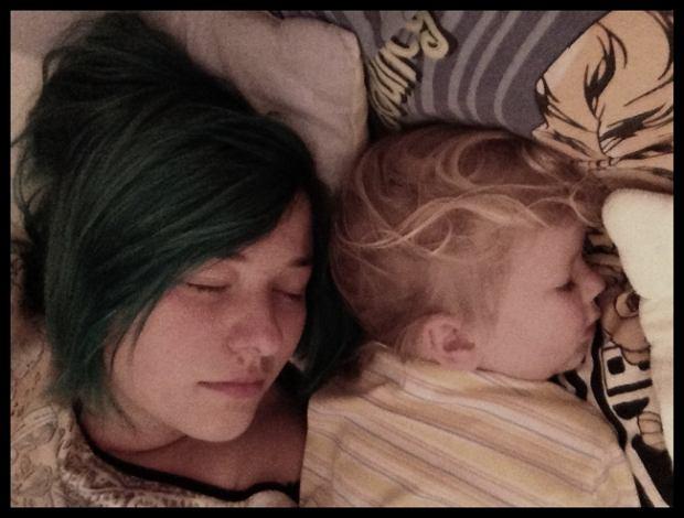 spanie z dziećmi, takie niehigieniczne, takie niepoprawne