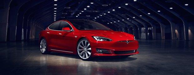 Tesla Model S (FL 2016)