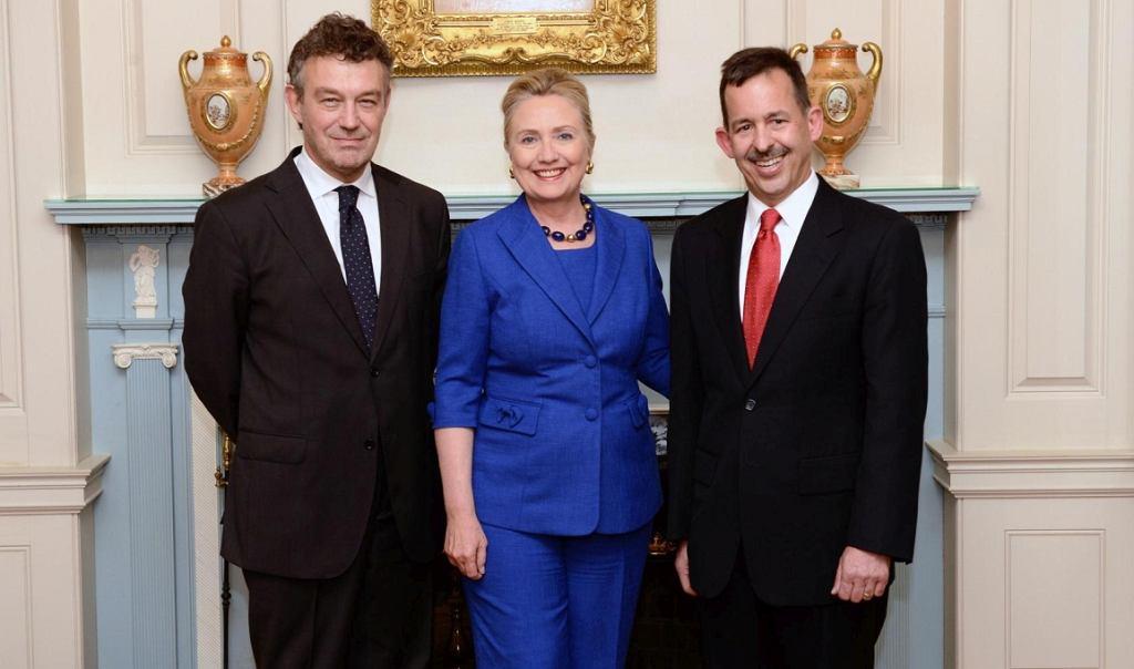 Od lewej: Ryszard Schnepf, Hillary Clinton i ówczesny ambasador USA w Polsce, Stephen Mull (fot. archiwum prywatne)