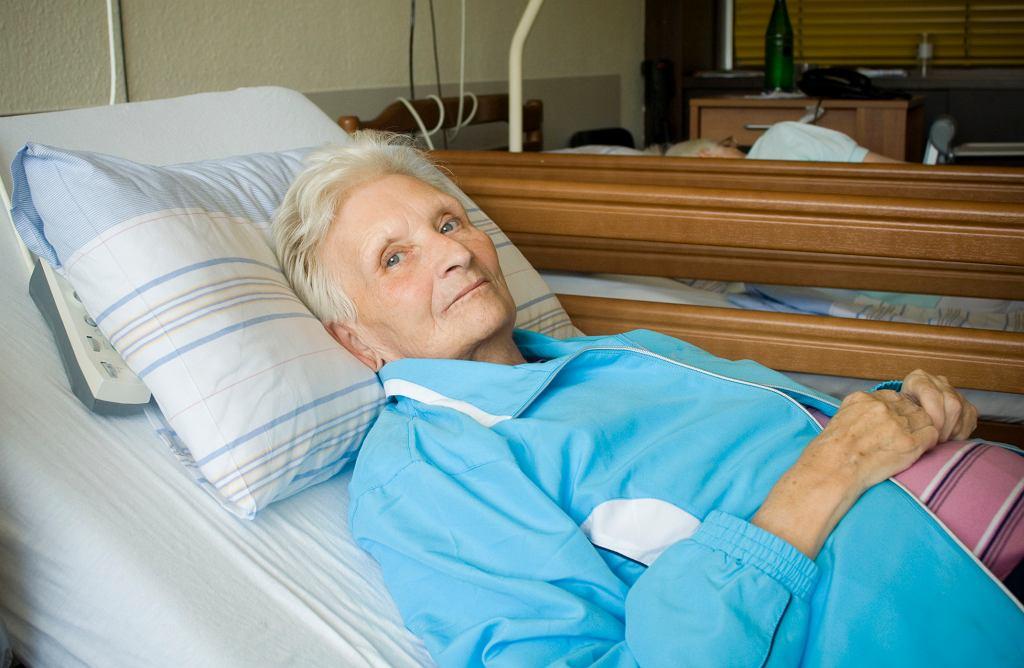 Zdarza się, że pacjenci mówią wprost ''proszę zająć się moją mamą/ojcem, bo wyjeżdżam na święta'' (fot. Claudiad / iStockphoto.pl)