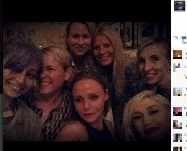 Gwyneth Paltrow, Nicole Richie, Chelsea Handler, Stella McCartney, Gwen Stefani, Noami Watts i Sam Taylor-Wood