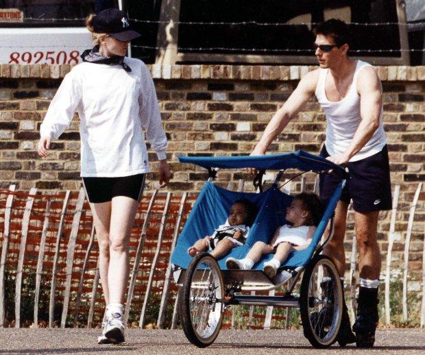Nicole Kidman i Tom Cruise z dziećmi w 1997 roku