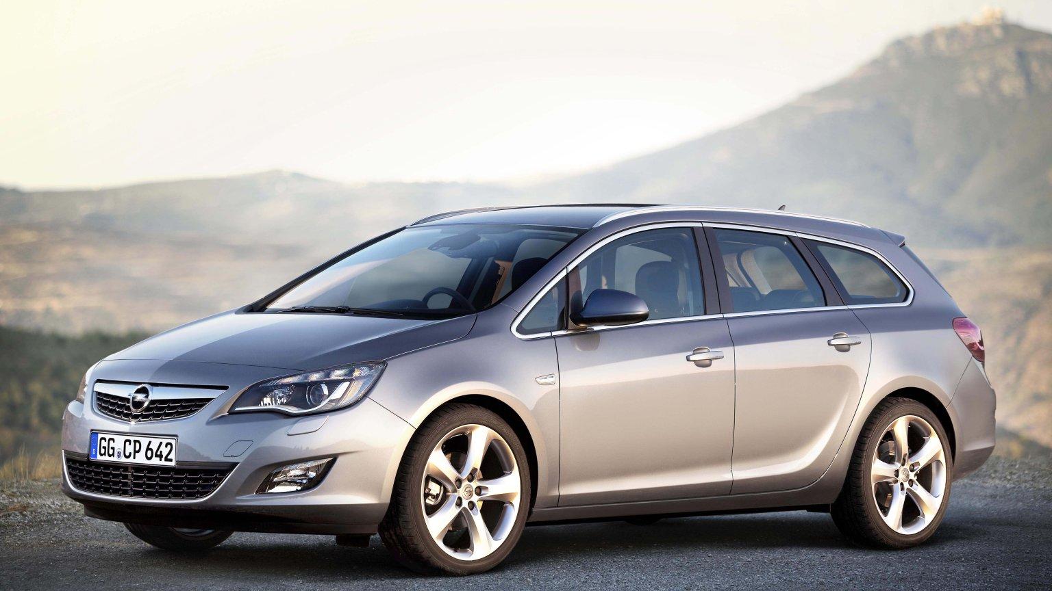 Bardzo dobryFantastyczny Opel Astra IV (2009-2015) - opinie Moto.pl FY34