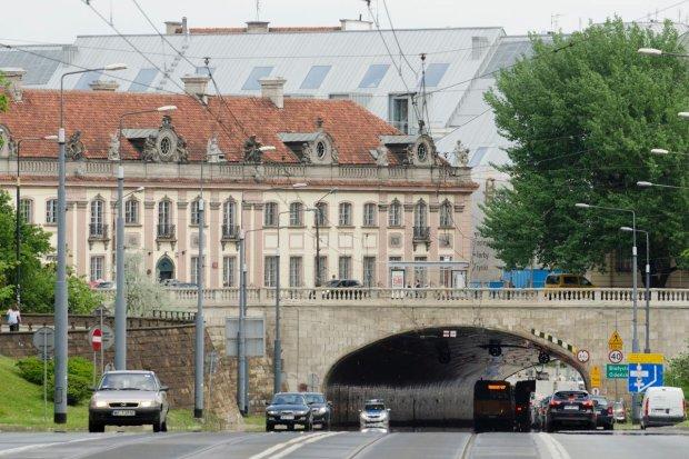 Budynek przy Senatorskiej