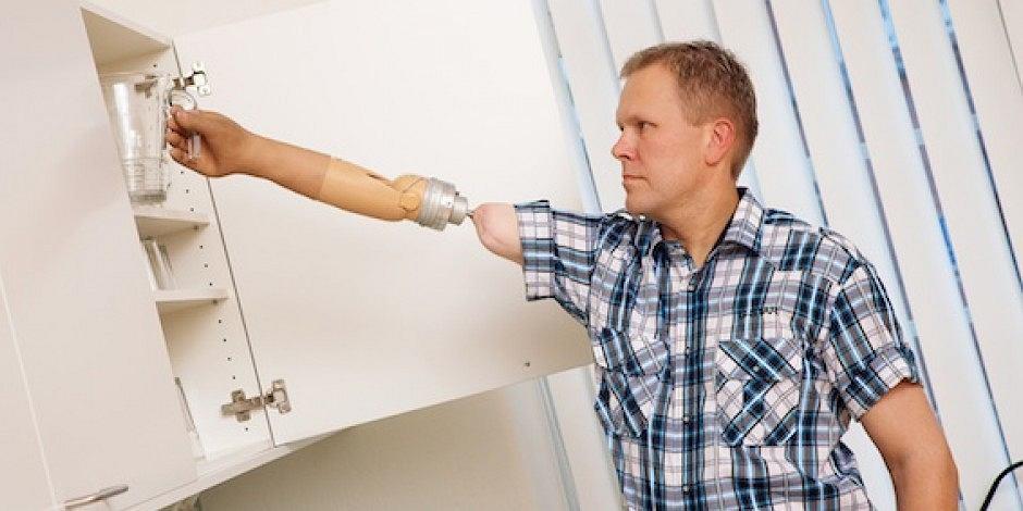 Ogromny Nowatorska proteza ręki: jest sterowana myślą i przywraca czucie w NT38