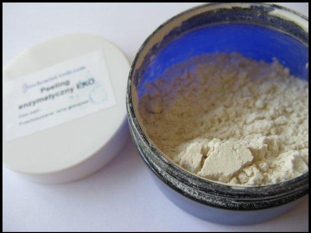 Peeling enzymatyczny w proszku