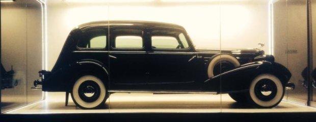 Cadillaca 355D Series 30 Fleetwood 7 Passengers Limousine