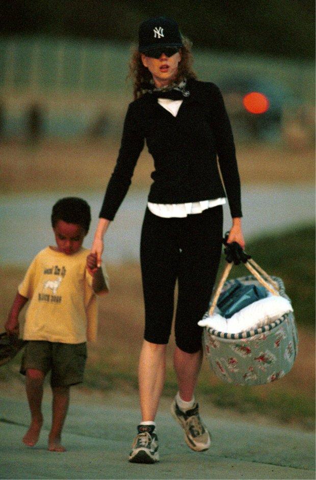 Nicole Kidman z synem Connorem w 1999 roku
