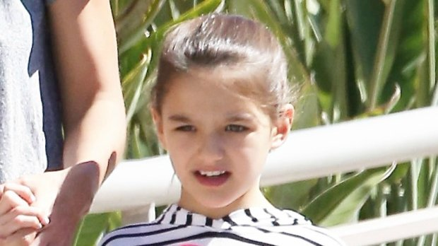 <H2>Please contact X17 before any use of these exclusive photos - x17@x17agency.com</H2>   Katie Holmes opts for no bra as she and daughter Suri enjoy a mini shopping spree at Topanga Mall. When arriving, Suri was feeling photogenic and mom gave her an impromptu photo shoot. March 16, 2015 X17online.com PREMIUM EXCLUSIVE