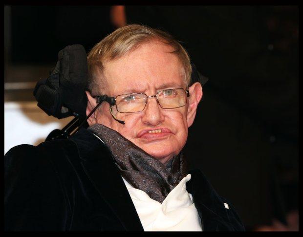 Stephen Hawking podczas gali BAFTA Film Awards w Londynie