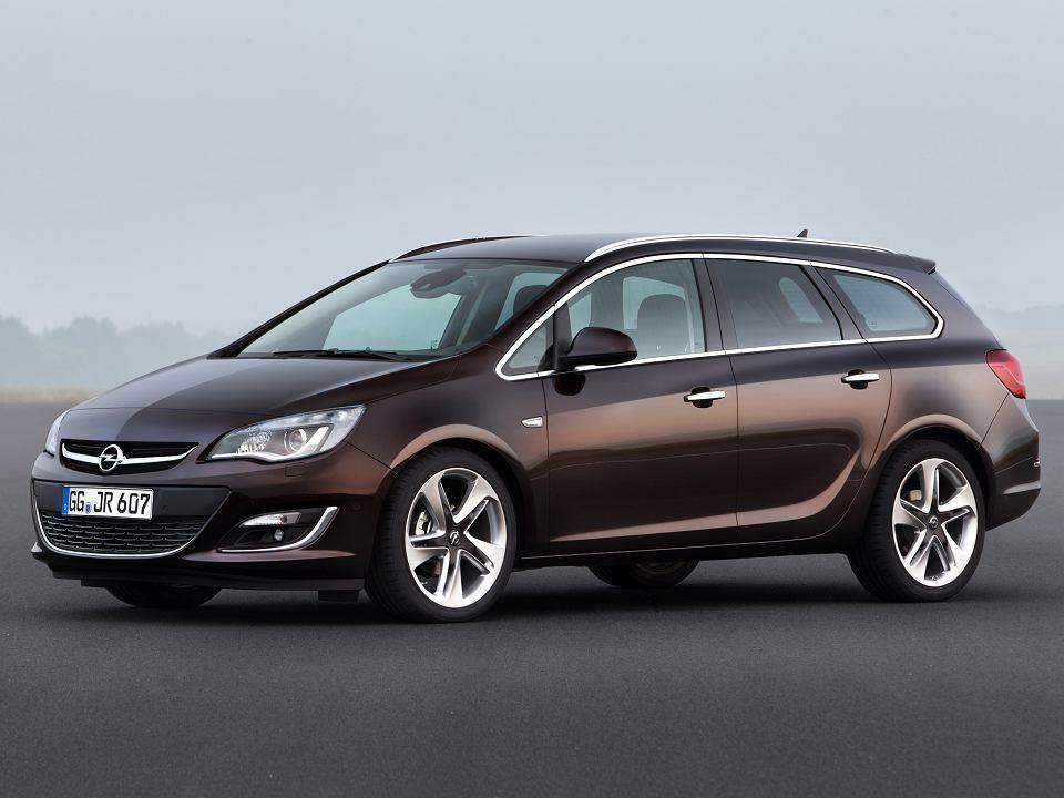 Poważne Opel Astra IV (2009-2015) - opinie Moto.pl CM29
