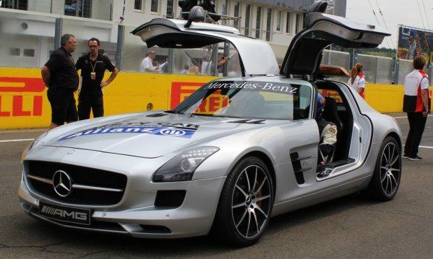 Mercedes SLS AMG Safety Car na starcie GP Węgier