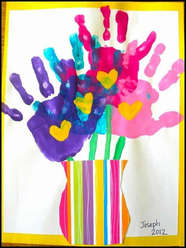 Użyjcie wyobraźni i pomyślcie, w co można zamienić odciski dłoni? (www.babble.com)