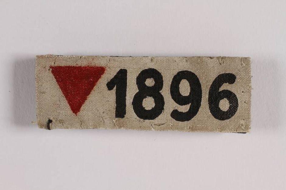 Numer obozowy Josefa Kohouta (fot. ze zbiorów United Statesolocaust Memorial Museum w Waszyngtonie / collections.ushmm.org)