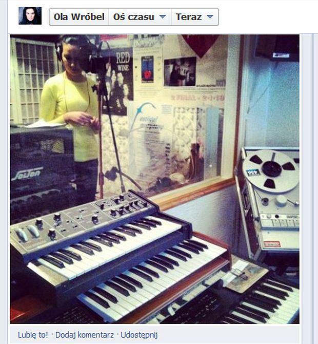 Ola Wróbel w studio nagrań, Weekend, Ona tańczy dla mnie
