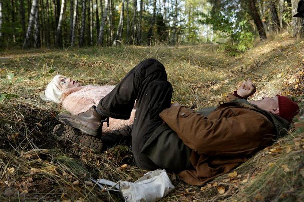 Olga Bołądź i Krzysztof Majchrzak na planie filmu ''Las, 4 rano'' (fot. materiały prasowe)