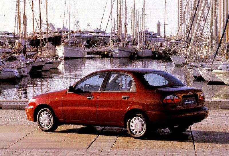 Chwalebne Tanie i niedoceniane, czyli auta, których nie chciałeś kupić, a warto AM89