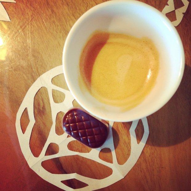 Kawa i pralinka