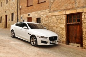 Jaguar XE | Pierwsza jazda | Sedan ostatniej szansy