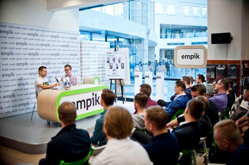 Krzysztof Stanowski i Przemysław Rudzki podczas promocji książki