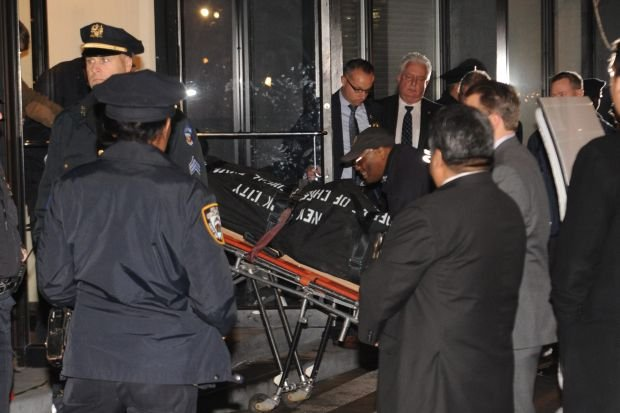 A body is taken from the apartment building that Philip Seymour Hoffman lived in, Sunday, Feb. 2, 2014, in New York. Hoffman, who won an Oscar for best actor in 2006 for his portrayal of writer Truman Capote in