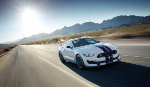Salon Los Angeles 2014   Shelby GT350 Mustang   Żywa legenda