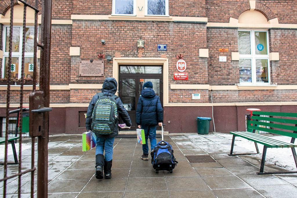 Wiele dzieci cierpiących na zespół Aspergera rozwija się intelektualnie bez zarzutu (fot. Kuba Ociepa / Agencja Gazeta)