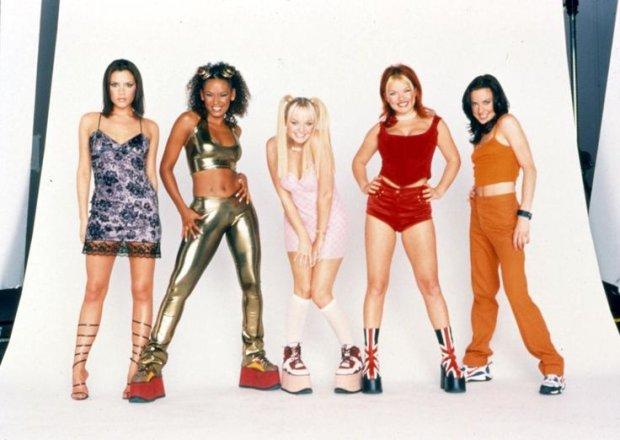 W latach 90. świat należał do Spice Girls. Może dlatego, że górowały nad wszystkimi dzięki niebotycznym platformom.