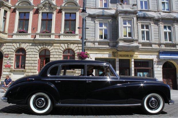StarDrive 2015 | Zlot Klubu Zabytkowych Mercedesów w Łodzi